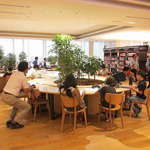 読書席800以上の市民参加型の図書館の実現